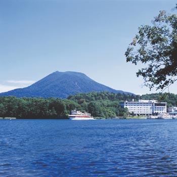 特別天然記念物のマリモや、ベニザケの湖沼陸封型であるヒメマスが生息するこ... 北海道情報Doな